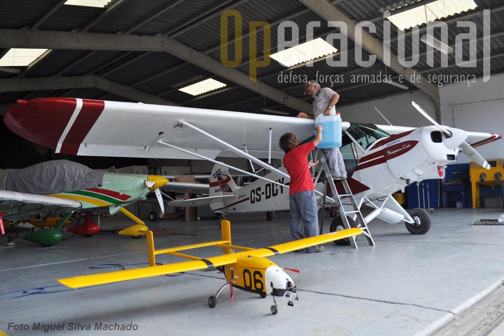 """Em meados do século XX o """"Piper"""" já voava e  hoje ainda o faz. Quem sabe a quantidade de aeronaves não-tripuladas que em meados deste século voarão operacionalmente entre nós?"""