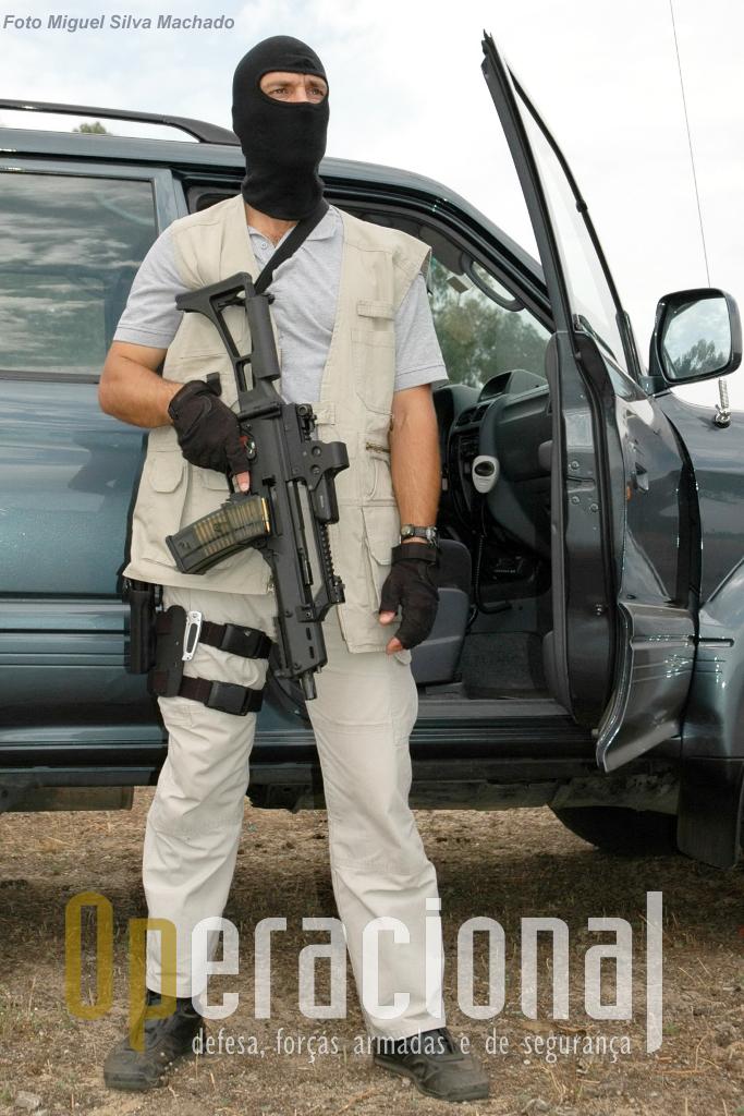 As unidades especiais da GNR (na foto) e da PSP também têm a HK G-36 calibre 5,56mm em uso quer em Portugal quer nas missões exteriores, como nos contigentes em Timor (GNR) ou segurança de embaixadas (PSP).