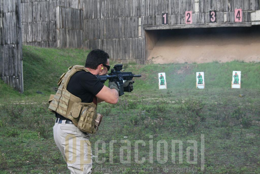"""A HK 417 apresenta um salto e recuo manifestamente inferiores quando comparada com a nossa """"velhinha"""" HK G3, permitindo assim um óptimo controlo da arma em qualquer modalidade ou cadência de fogo imprimida"""