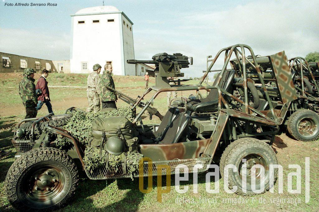 """Em 1992 no decurso do exercicio """"Júpiter"""", o responsável politico pela Defesa Nacional e pela polémica tranferência das Tropas Pára-quedistas da Força Aérea para o Exército,"""