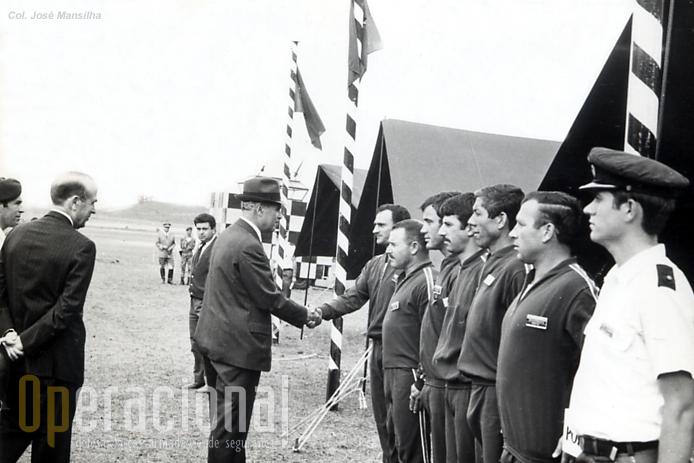 Equipa, saudada pelo gen Sá Viana Rebelo e pelo CEMFA general Nascimento.