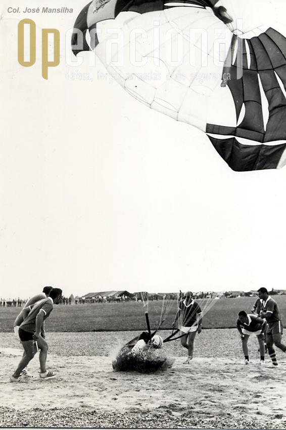 Uma aterragem no alvo Certificado de ZERO, assinado e entregue pelo ten cor Moutinho