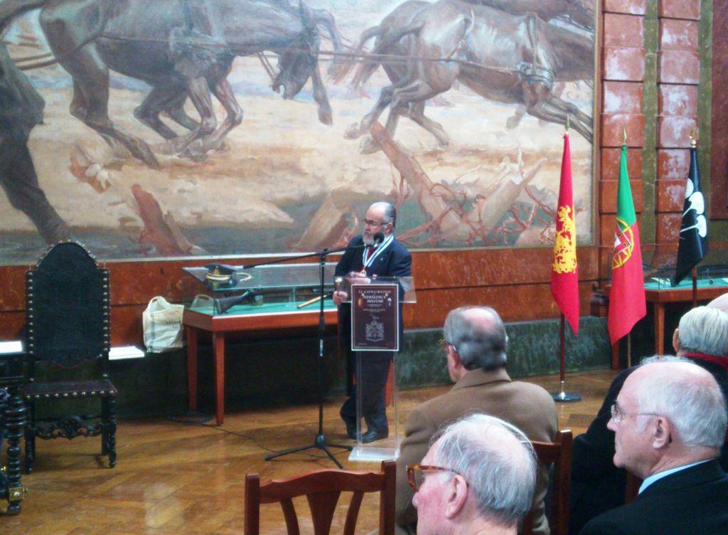 «A Emblemática Militar» foi o tema apresentado pelo Tenente-Coronel José M. Pedroso da Silva. (Foto de C. Fonseca)