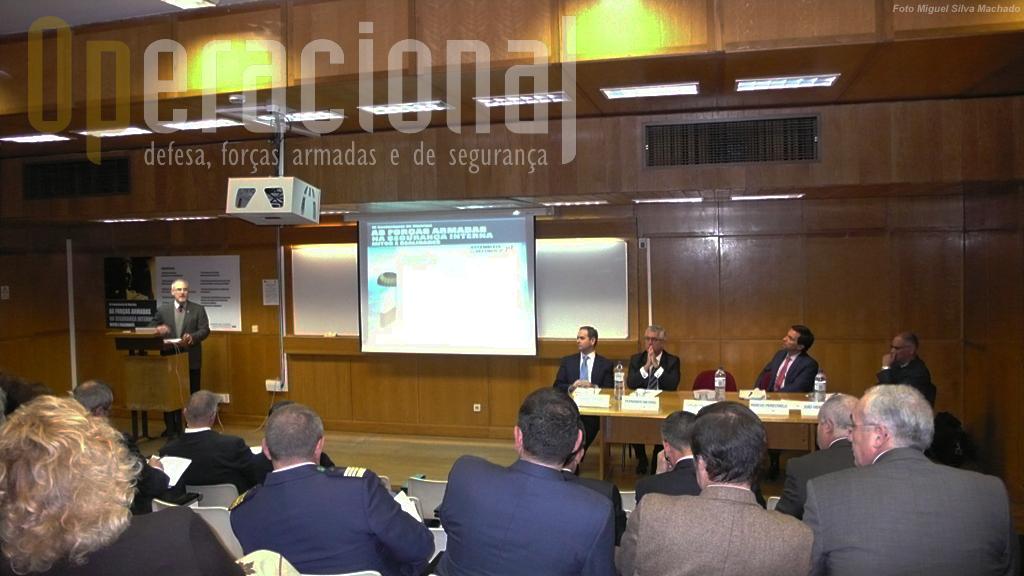 O Coronel Gil Prata abre a Conferência, no ISG