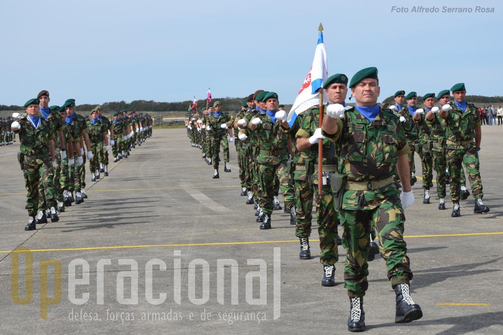Os primeiros 55 militares do 2BIPara partem dia 18 de Março de 2013 para o Kosovo em avião militar. No final do mês, seguirão os seguintes em voo fretado a uma companhia de aviação.