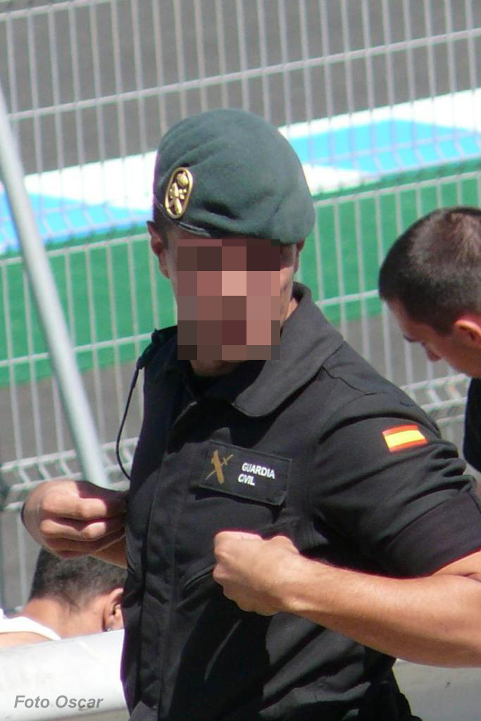 ...e as alusões oficiais á cor da boina da Guardia Civil ainda vieram trazer mais duvidas.