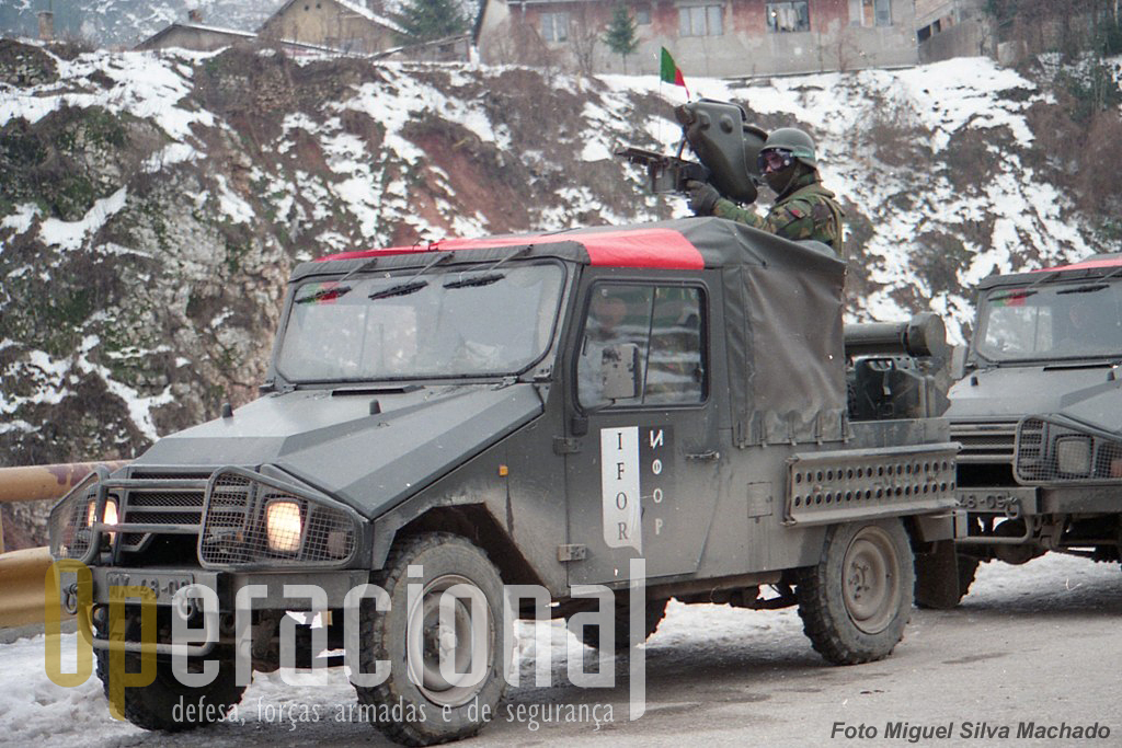 Em Fevereiro de 1996 os UMM Alter Milan, do 2.ºBIAT (armas e pessoal foram fornecidos pela CACar), já faziam escoltas a colunas humanitárias entre Sarajevo e Gorazde.