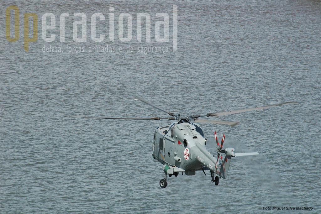 """A camuflagem do Lynx, bem adaptada ao serviço sobre o mar. O """"lince"""" vai à """"caça""""!"""
