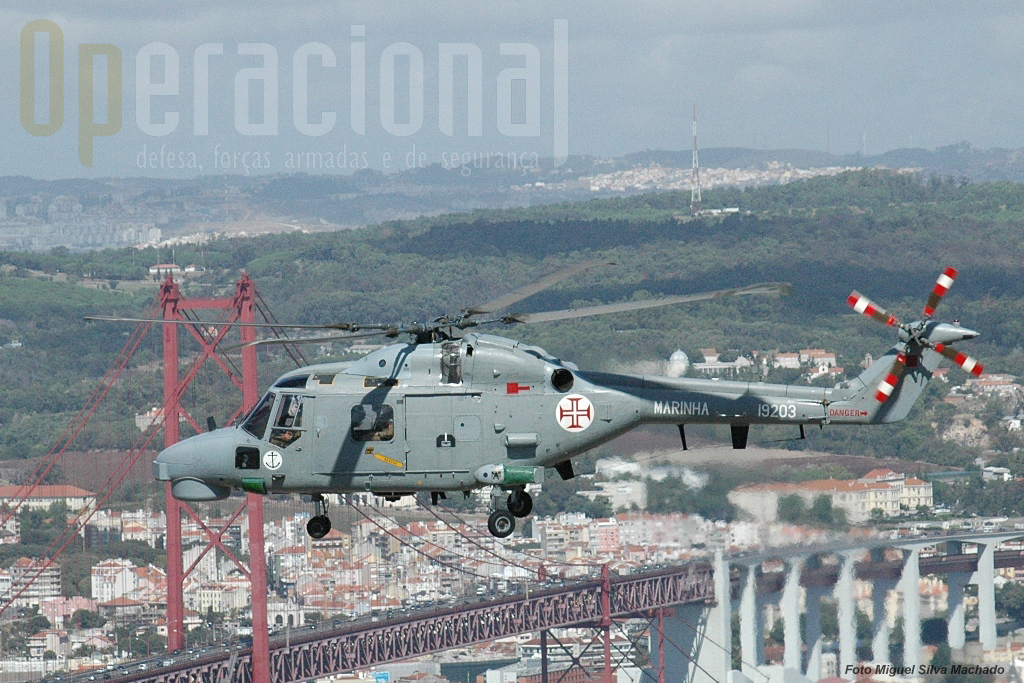 7.Dada a localização da EHM os voos de trânsito para as missões de luta anti-submarina, decorrem quase e sempre com uma passagem por Lisboa ao longo do Tejo.