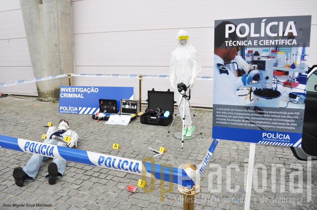 Hoje em dia, quer a PSP, na foto, quer a GNR. dispõem de equipamento que em tempos estava reservado à Policia Judiciária, o que decorre naturalmente das alterações legislativas e das competências que forma atribuídas a estas forças de segurança.