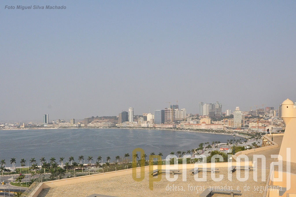 O Museu Nacional de História Militar em Luanda é um local a visitar. O trabalho de recuperação da fortaleza e de re-instalação do museu está concluído.