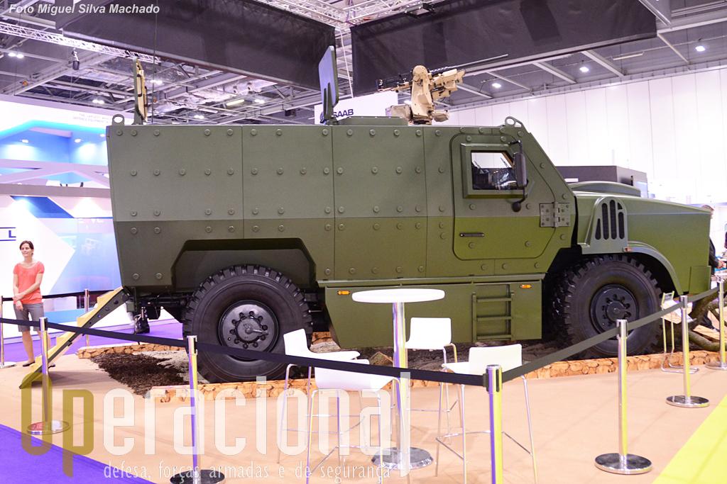 O VEGA de segunda geração, da firma da República Checa SVOS, que nesta caso está armado com uma .50 M2 HB na estação de controlo remoto Kongsberg Protector. Esta é a versão transporte de tropas (8 infantes) mas há também para posto de comando e ambulância.