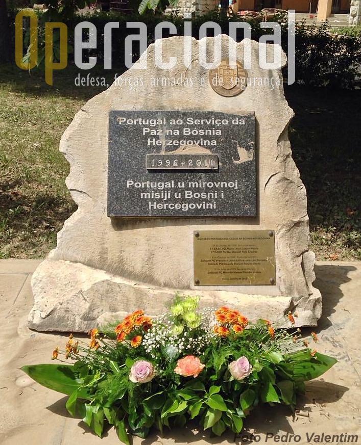 """23 de Maio de 2014. A dignidade possível em Doboj no dia da """"Casa-Mãe"""" das Tropas Pára-quedistas Portuguesas, berço militar destes 5 boinas verdes caídos na Bósnia."""
