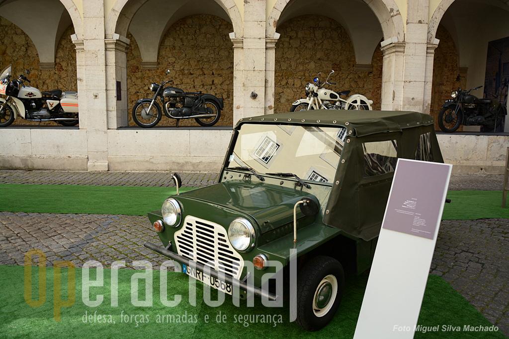 """O """"Mini Moke"""" que ainda teve algum sucesso em Portugal foi utilizado pela Guarda Fiscal (1967) e é uma das novidades da exposição."""