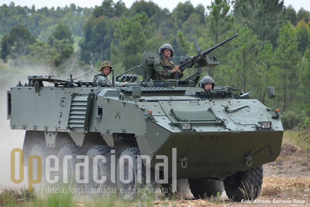As Pandur II chegaram ao Exército Português em 2007, estando hoje atribuídas à Brigada de Intervenção, sua utilizadora principal. Em 2013 começaram a ser usadas no Kosovo.