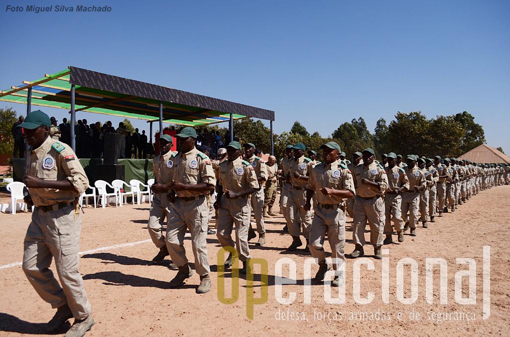 Cerimónia final do curso de Fiscais da Natureza no Menongue, em 10 de Junho de 2013.