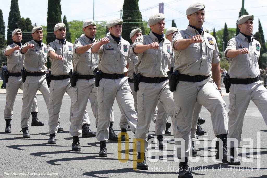 O GIPS da GNR foi fardado pela Milícia que forneceu também algum equipamento individual.