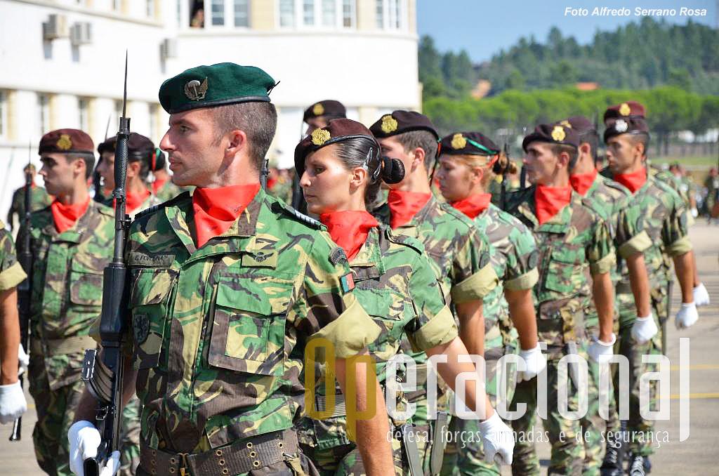 Cerca de 13% dos militares Exército Português são do sexo feminino.
