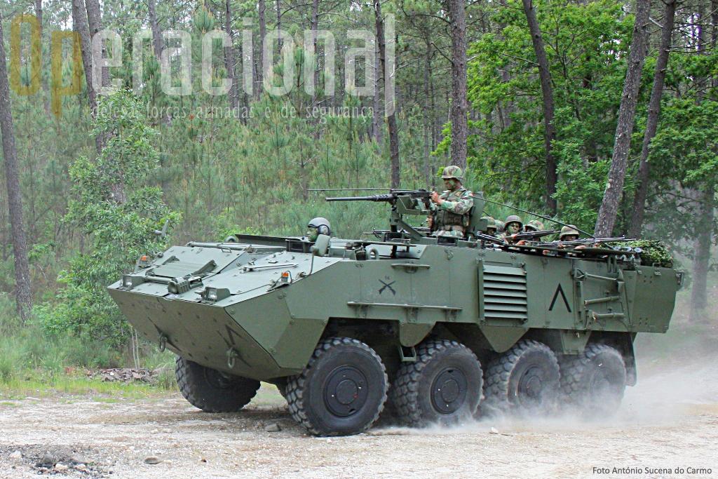 O Programa Pandur, assinado em 2005, previa a recepção de 240 VBR para o Exército e 20 para a Marinha (Fuzileiros). Fica reduzido a 188 para o Exército.