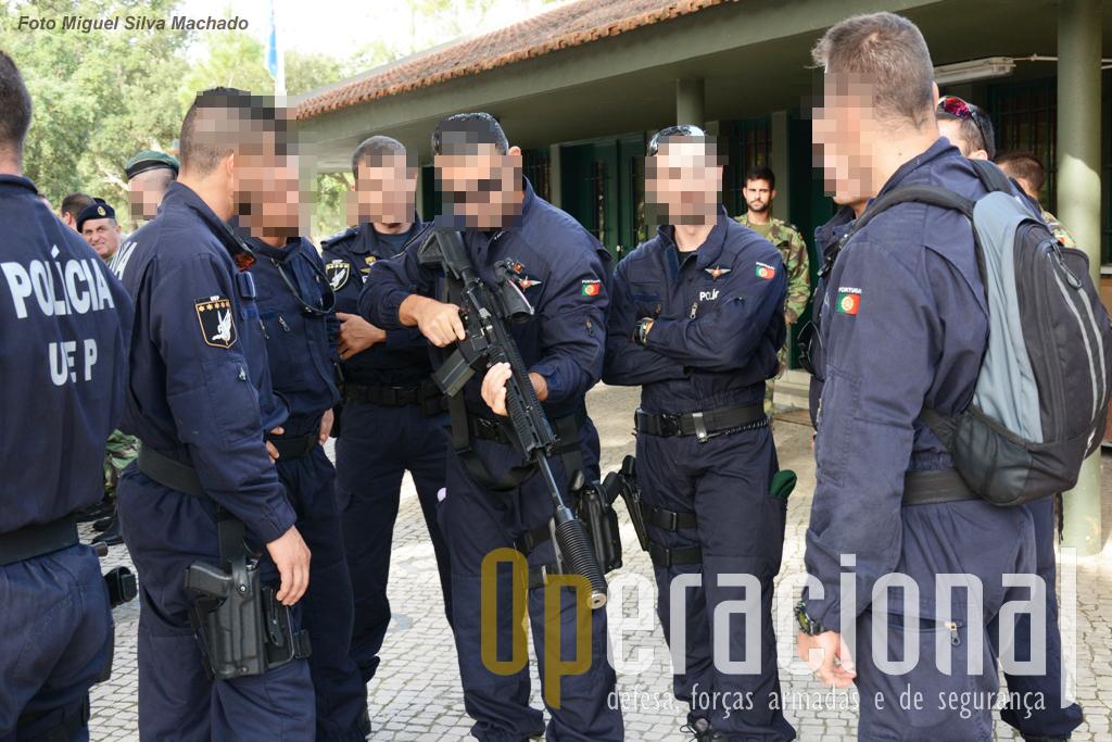 Dos primeiros utilizadores em Portugal das pistolas-metralhadoras HK MP5 a PSP, esteve presente com vários elementos do Grupo de Operações Especiais da Unidade Especial de Policia. Na imagem a HK417 7,62 com supressor de som.