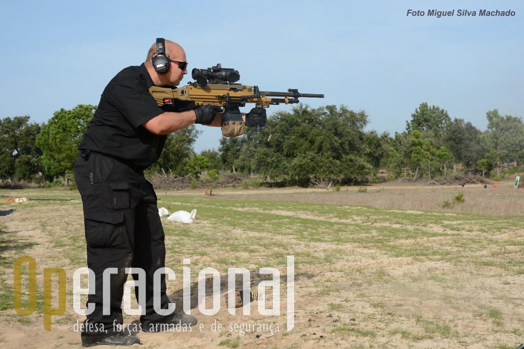 A MG 5 7,62mm é claramente uma arma com grande estabilidade a fazer fogo.