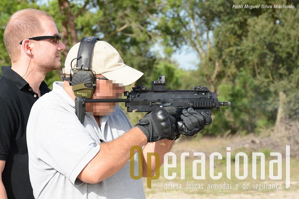 A HK MP7 tem um carregador, no punho, com capacidade para 20 munições. Há uma versão calibre 4,6mm e outras em 5,56mm.