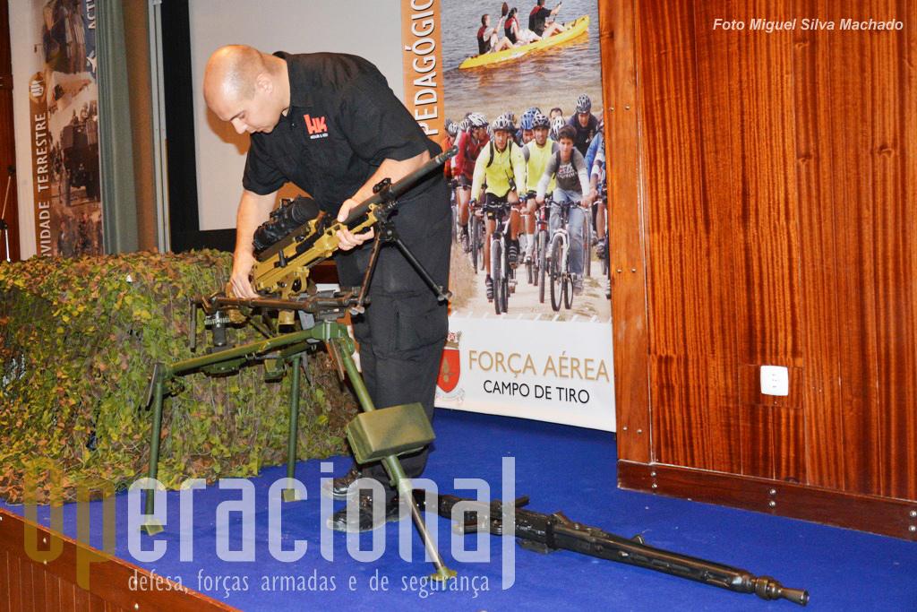 Uma curiosidade que poderá ser útil, o tripé em uso nas Forças Armadas Portuguesas para uso com a MG3, é compatível com a nova MG 5.