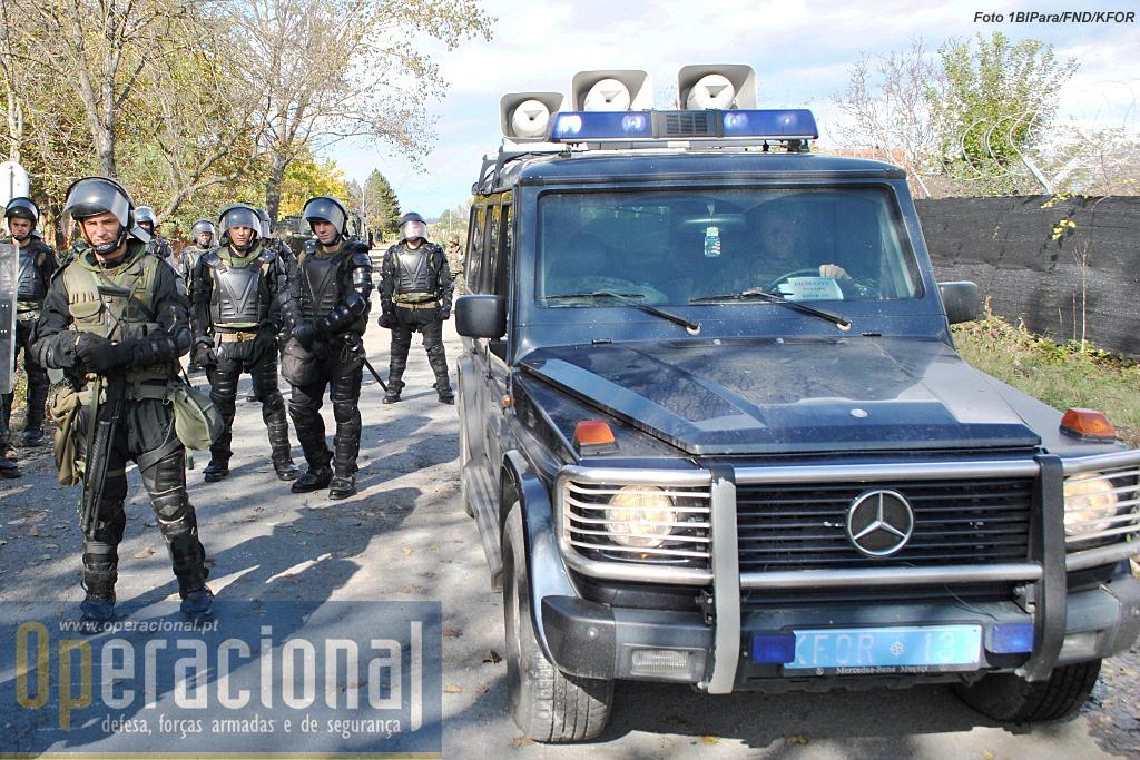 O destacamento de operações psicológicas dinamarquês, vai sempre tentando com as suas mensagens desmobilizar os manifestantes.