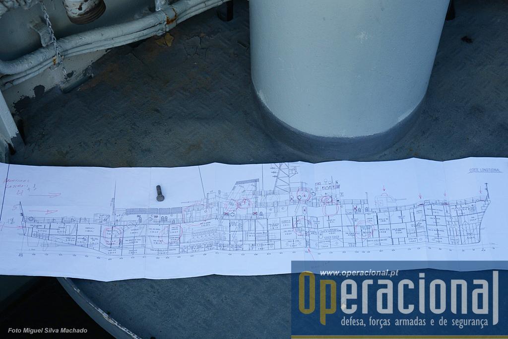 """O """"plano"""" que está a ser seguido prevê mais de 100 aberturas na chapa do navio."""