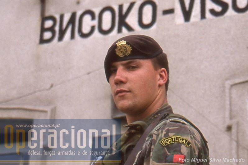 O 2.º Batalhão de Infantaria Mecanizado esteve na Bósnia-Herzegovina de Janeiro a Julho de 2002, em Visoko - Високо.