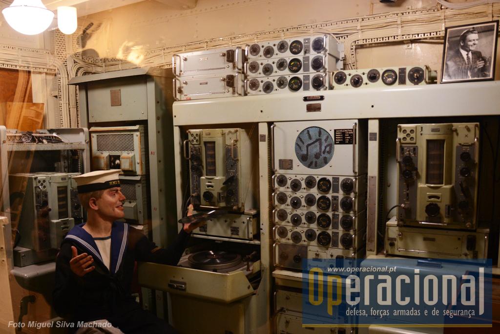 A sala de reprodução de som, criada nos anos 50, local a partir do qual se emitia para todo o navio musica e outras informações tipo emissora de radio civil.
