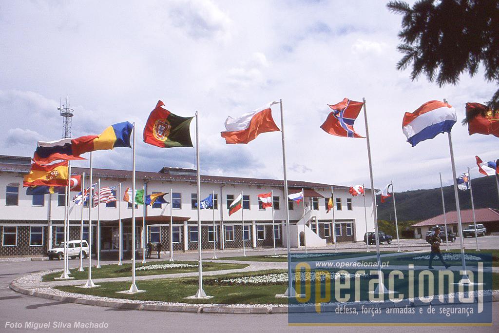 O Quartel-general da SFOR em Butmir - Sarajevo. Durante anos e anos, muitos portugueses prestaram aqui serviço em diversos cargos internacionais.