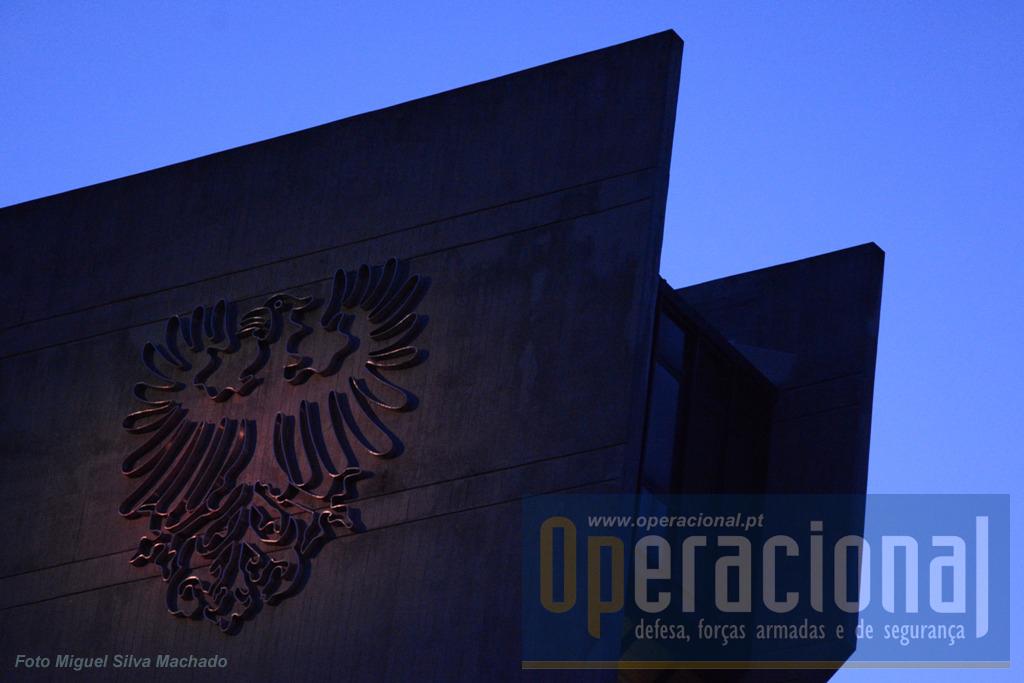 """O livro é dedicado """"aos que serviram Portugal na Aviação Militar - 1914-2014"""""""