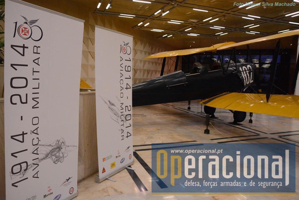 O livro é um dos momentos altos das comemorações do centenário da aviação militar que se irão prolongar  até 2016.