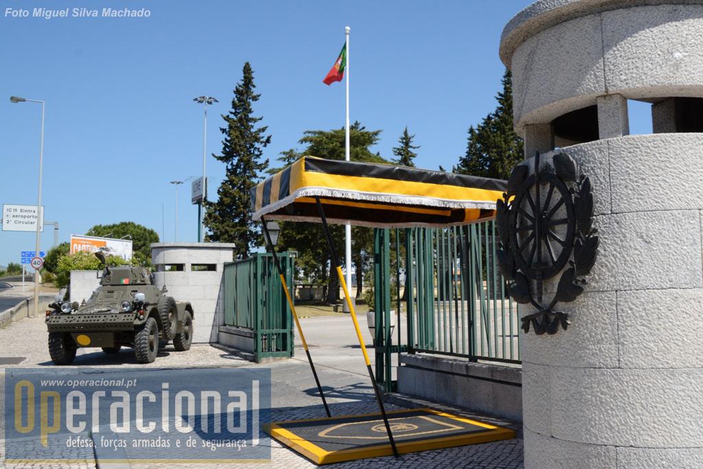 A entrada é livre, basta dirigir-se à Porta-de-Armas do Regimento de Transportes, na Encarnação em Lisboa