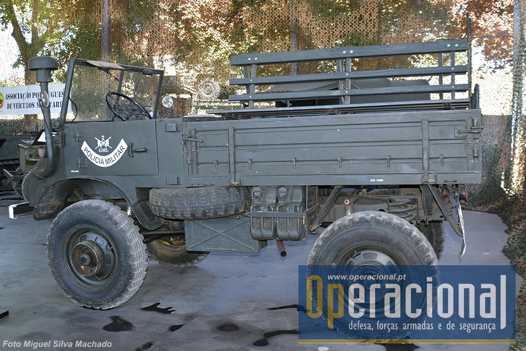 O Mercedes Unimog 411, que entrou ao serviço em 1957 e foi exaustivamente utilizado na Guerra do Ultramar (1961-1975) e mesmo muitos anos depois.