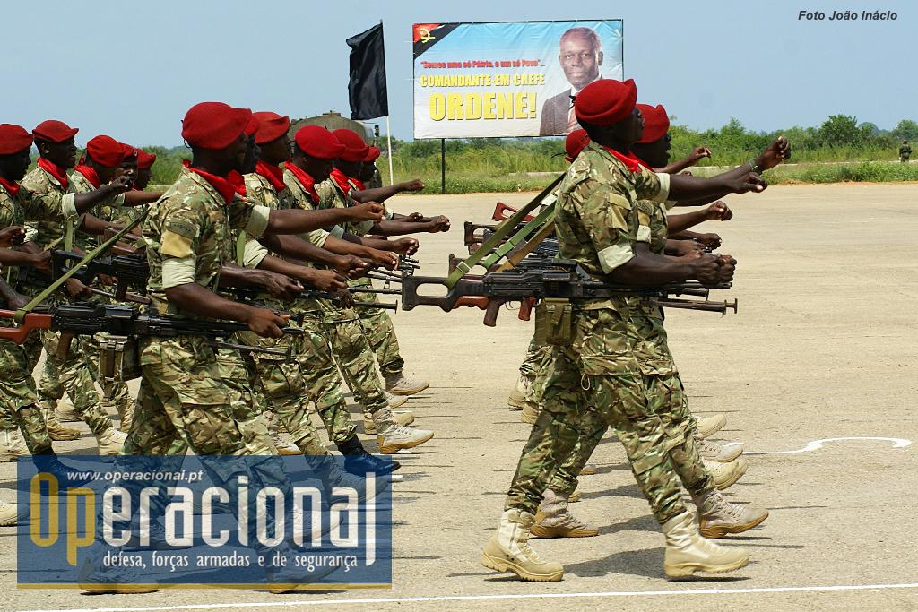 Hä Tropa Militar Do Cabo Ledo Da Forças Espeçiais Comandos