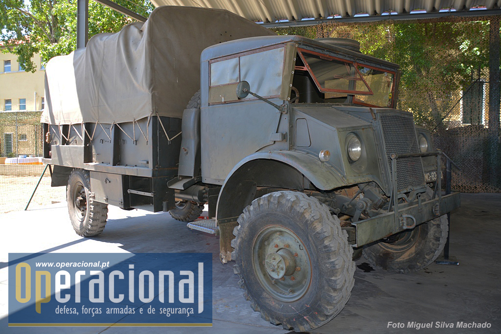 Esta Chevrolet que o Exército recebeu em 1953 veio do Canadá.