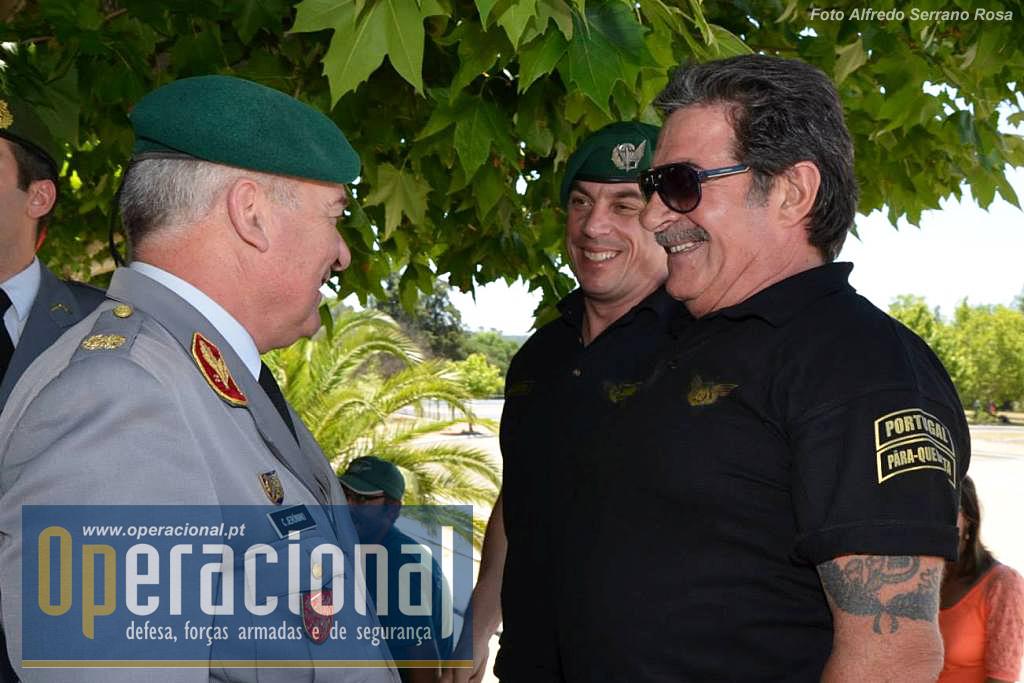 Não é dificil para o general Carlos Jerónimo encontrar caras conhecidas em Tancos.