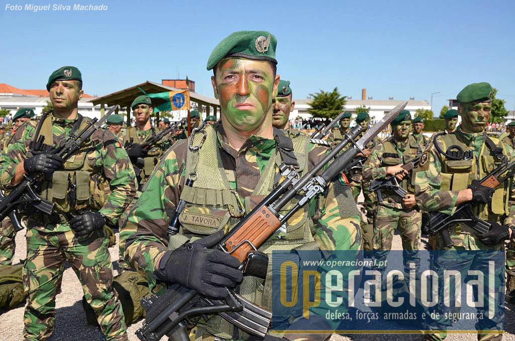 Militares dos batalhões de infantaria pára-quedistas de S. Jacinto (na foto) e Tomar, marcaram presença.