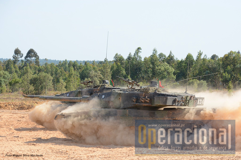 Os carros de combate Leopard 2A6 estão entre os meios militares mais potentes ao dispor das nossas Forças Armadas.