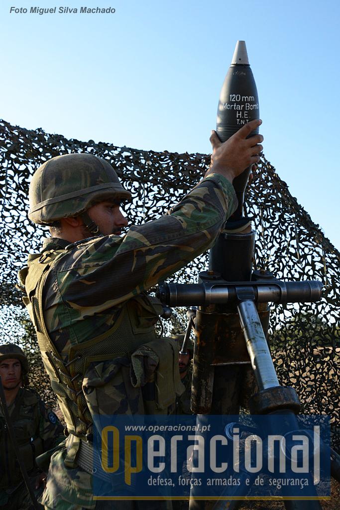 Um Pelotão de Morteiros Pesados também faz parte da ordem de batalha do 2.º BIMec (R) para a NRF 2016.