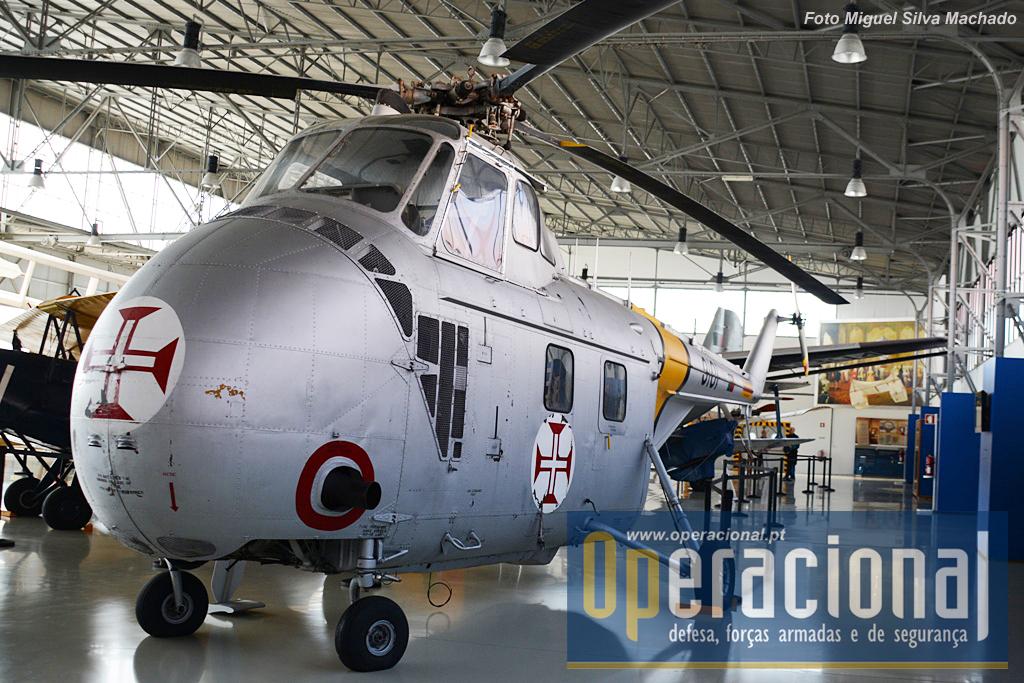 O primeiro helicóptero no inventário da Força Aérea