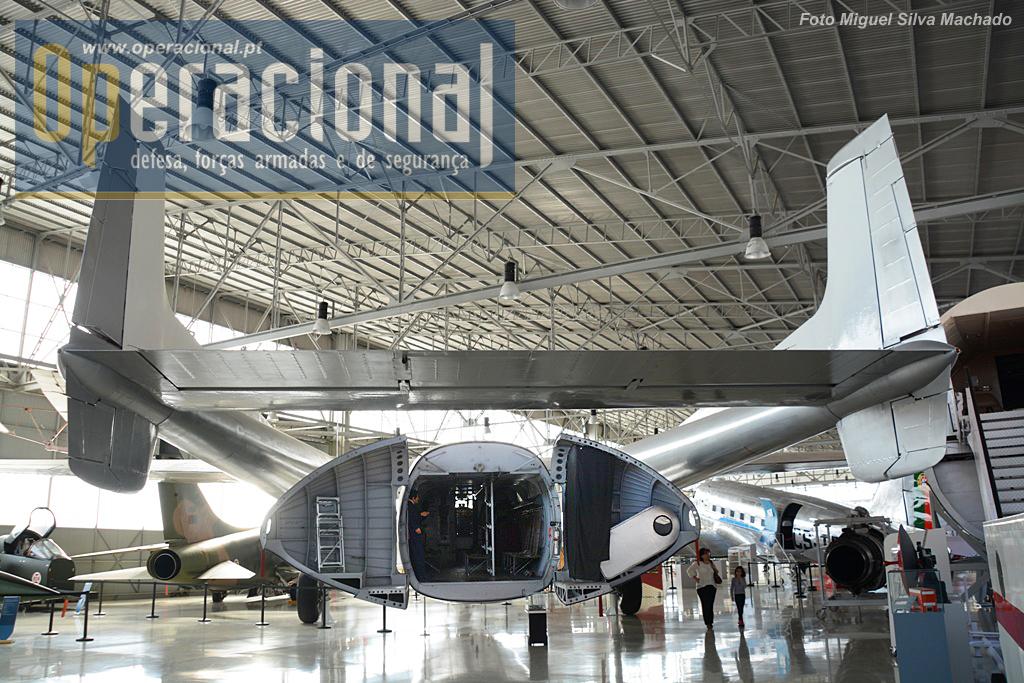 """Nord Aviation 2501/2502 Noratlas, uma dos """"cavalos de trabalho"""" da Força aérea em África. os primeiros chegaram a portugal em 1960 e os últimos foram retirados de serviço em 1976."""