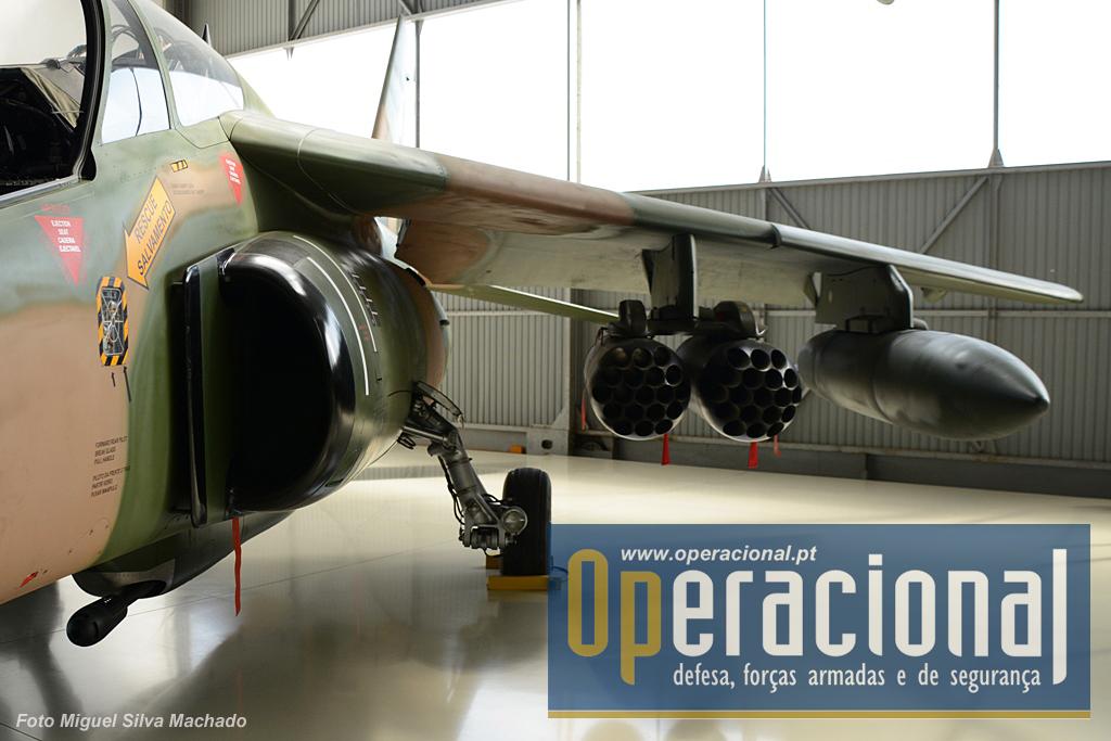 Detalhe de um Dassault-Breguet/Dornier Alpha Jet. Chegaram a Portugal em 1993 e ainda estão ao serviço.