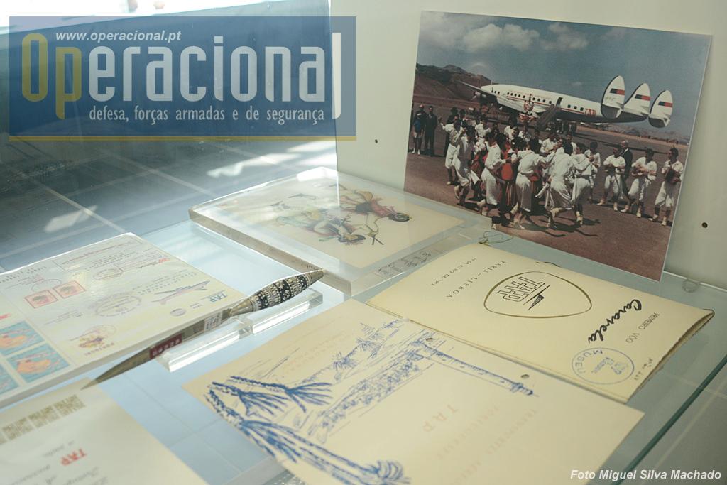 Muitos documentos do tempo em que a aviação comercial tinha um importante papel na ligação aos vários pontos do Portugal insular e Ultramarino.