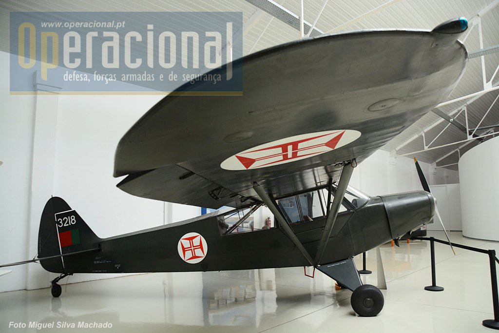 Piper PA -18/L-21 Super Cub.Chegaram a Portugal em 1952 e foram retirados do serviço em 1976.