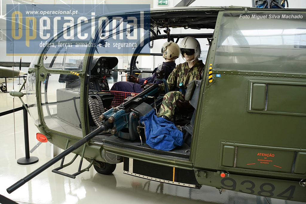 O MG-151, canhão de tiro rápido de 30mm, como era empregue em África no Sud-Aviation SE-3160 Alouette III.