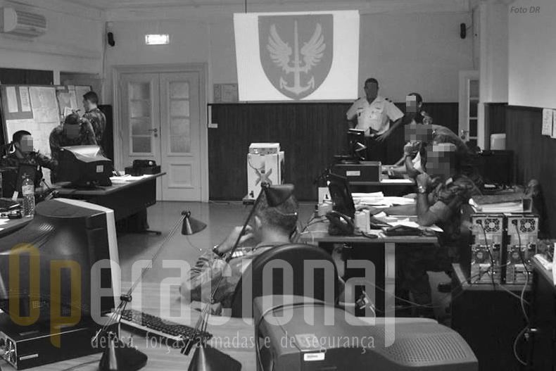 """Sala de operações do antigo """"Combine Joint Special Operations Task Force Head Quarters"""" em Oeiras (Comando das Forças Terrestres)"""