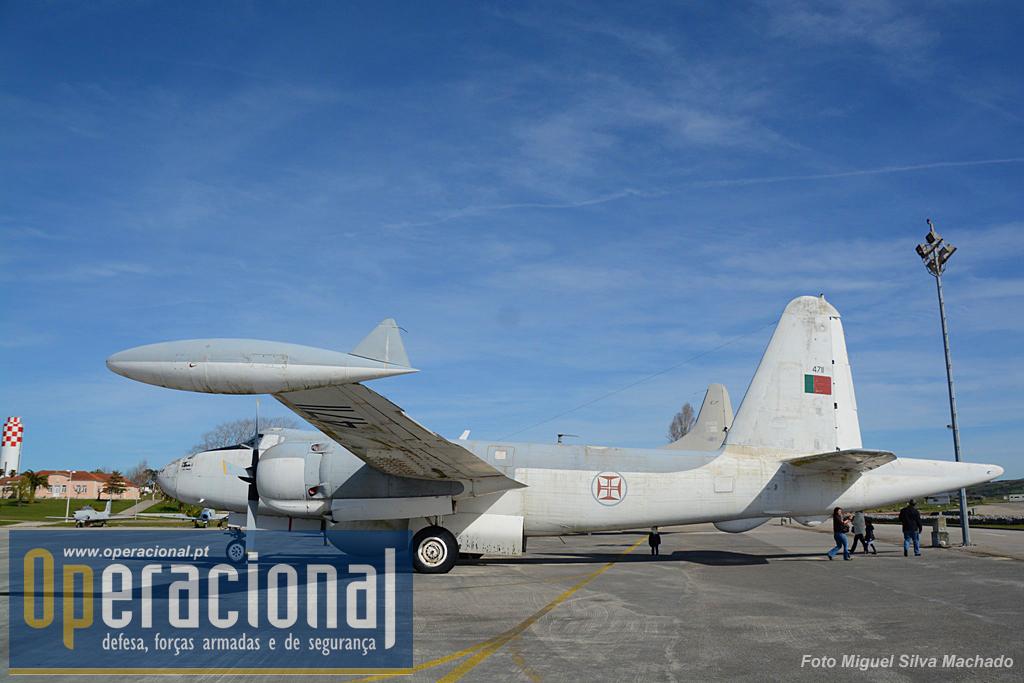 Na área exterior podemos ver um Lockheed P2V5 Neptune,  um Lockheed P3 Orion, um Northrop T-38 Talon, um Lockheed  T-33 T-Bird e um North American F-86.